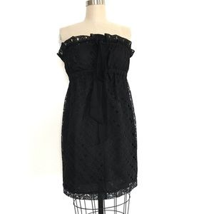 Betsey Johnson 4 black lace strapless mini